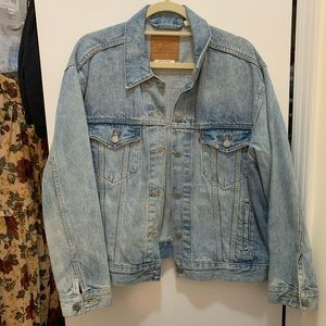 Levi's Jackets & Coats - Levi's denim jacket